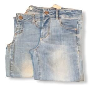 2 pairs light wash skinny jeans SOFT size 0